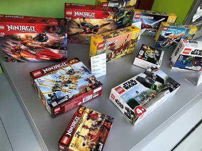 schaut mal vorbei; große Auswahl bei LEGO